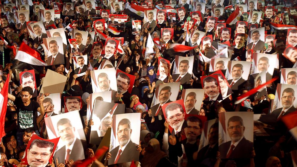 RT_egypt_protests_morsi_nt_130703_16x9_992