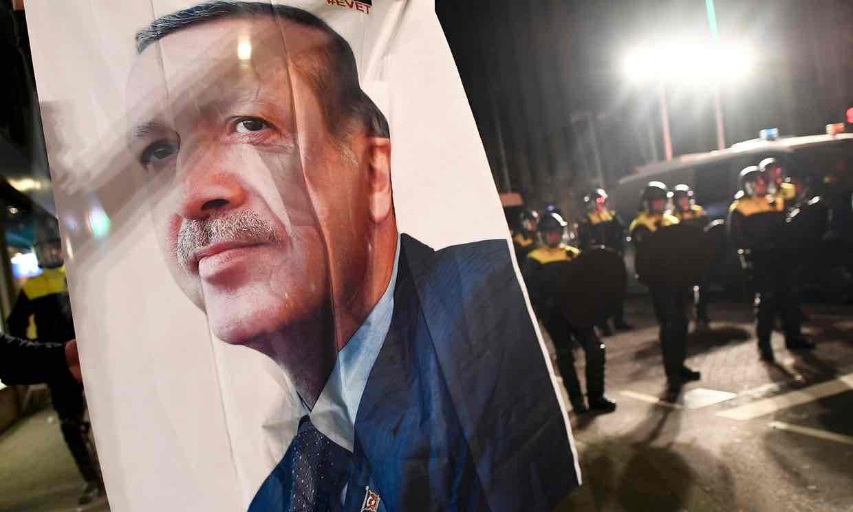 El escándalo diplomático entre Turquía y Holanda beneficia a Erdogan